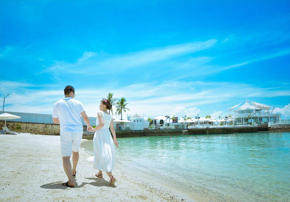 モーベンピック・ホテル・マクタンイビサを望むビーチにてフォトウェディング