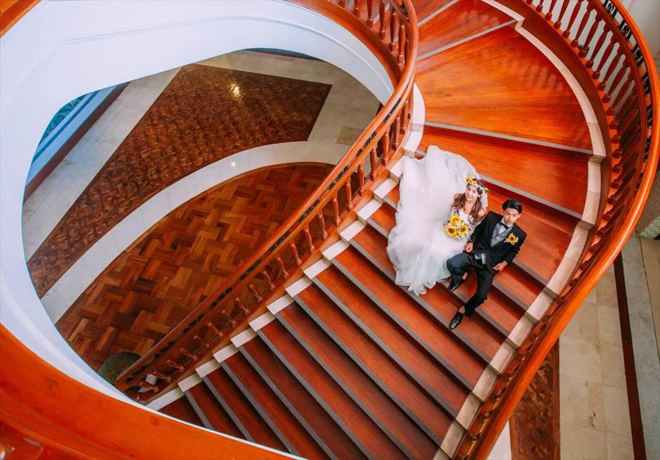 シャングリラ・マクタン・リゾート&スパ<br /> リゾート内回廊にてフォトウェディング