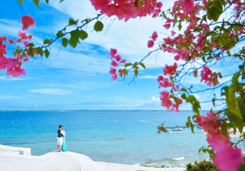 クリムゾン・リゾート&スパ・マクタン<br /> 美しいマクタン島の海を望むフォトウェディング
