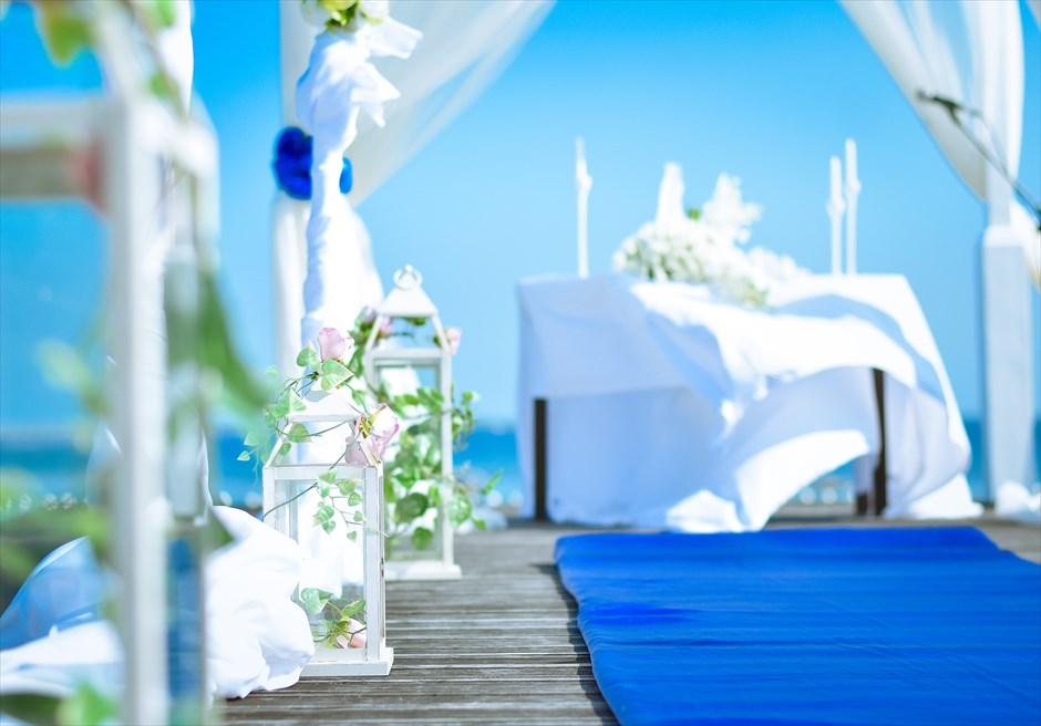 シャトー・バイ・ザ・シー<br /> ブルー・バイ・ザ・シー ボードウォーク・ウェディング<br /> ランタン装飾