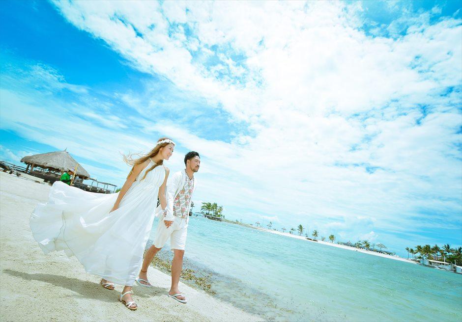 ブルーウォーター・マリバゴ・ビーチリゾート<br /> 美しい白砂のビーチにてフォトウェディング