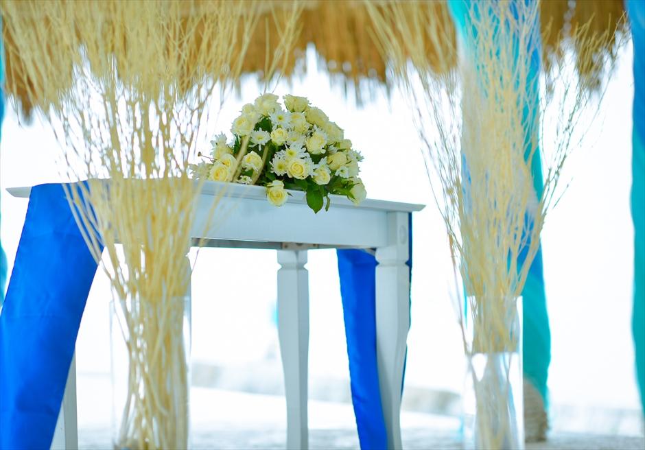 オーシャンフロント・ガゼボ・バルーン・ウェディング<br /> 祭壇装飾
