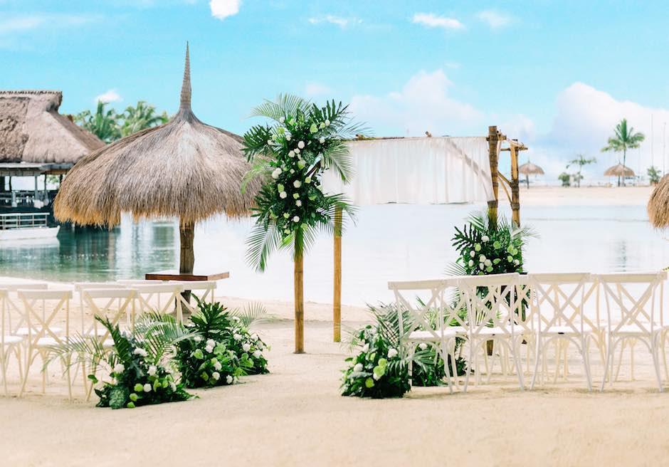 ブルーウォーター・マリバゴ・ビーチ・リゾート<br /> ビーチフロント・ボタニカルウェディング<br /> 会場全景<br />