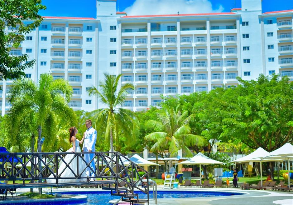 ジェイパーク・アイランド・リゾート<br /> ラグーンプールからホテルを望む