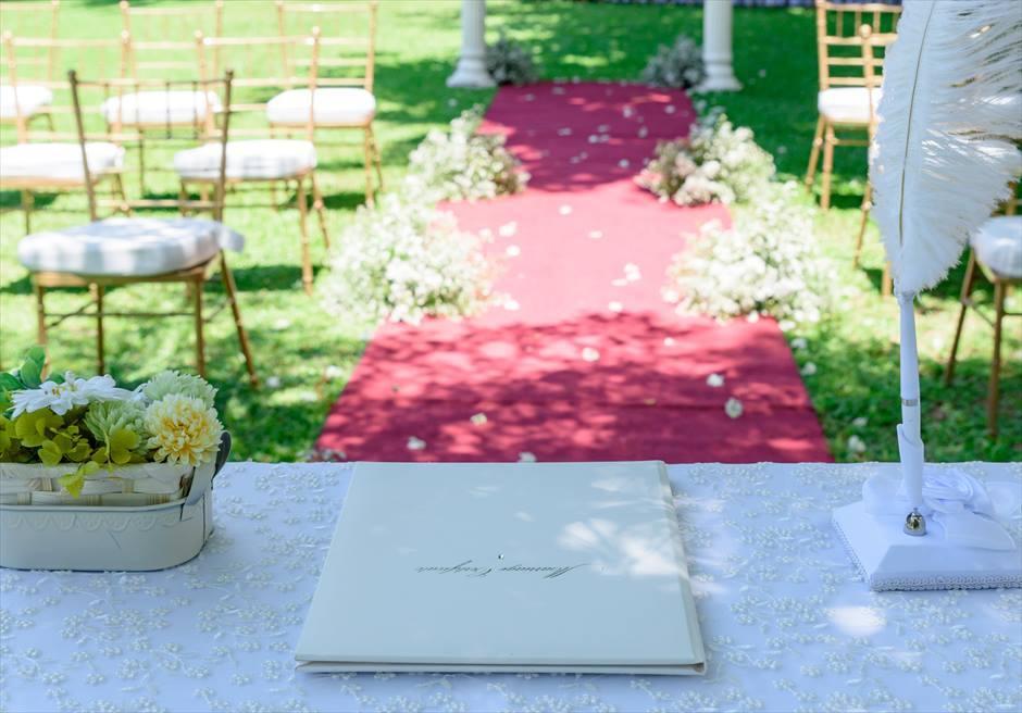 モンテベッロ・ヴィラ・ホテル<br /> ナチュラル・ウッド・ガーデン・ウェディング<br /> 結婚証明書とリングピロー