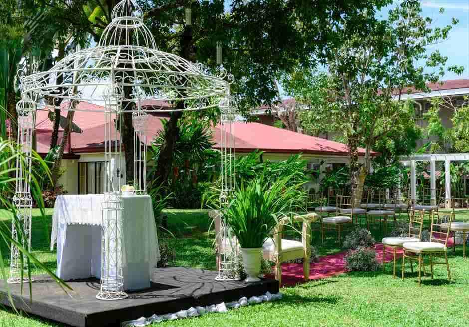 モンテベッロ・ヴィラ・ホテル<br /> ガーデン・アーチ・ウェディング<br /> パーゴラアーチ