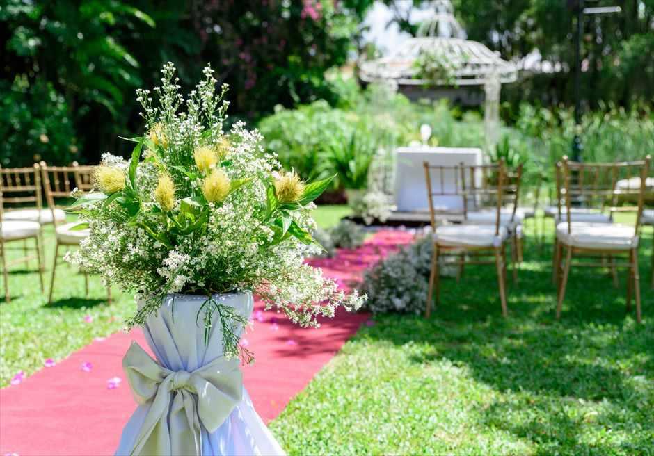 モンテベッロ・ヴィラ・ホテル<br /> ガーデン・アーチ・ウェディング<br /> 挙式会場装飾