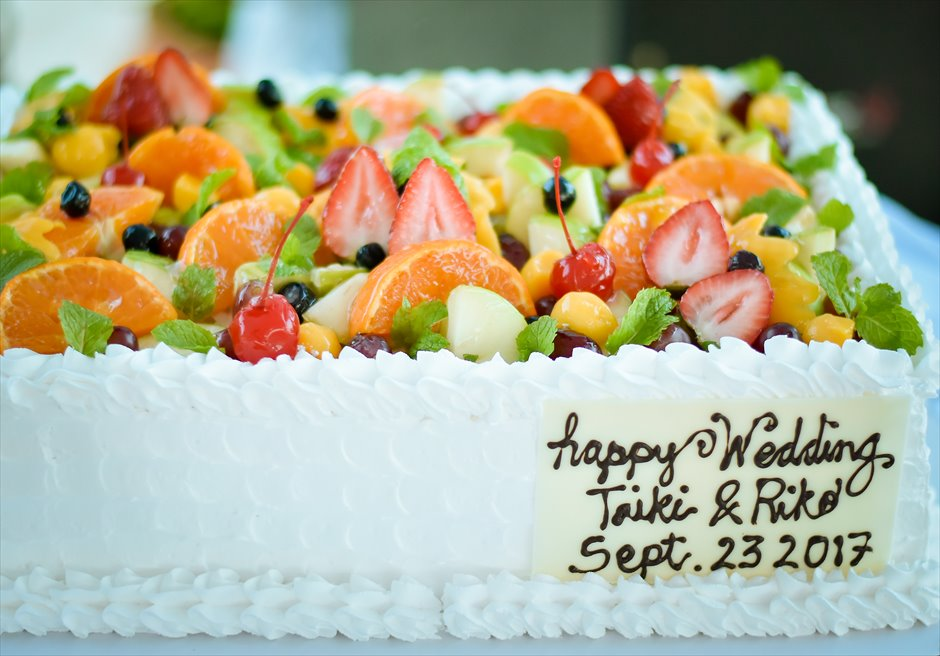 ブルーウォーター・マリバゴ セブ ウェディングパーティー オーダーメイド ウェディングケーキ