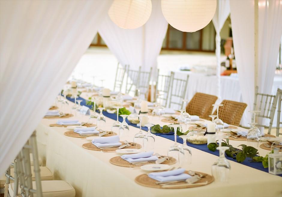 ブルーウォーター・マリバゴ セブ ウェディングパーティー テーブル装飾