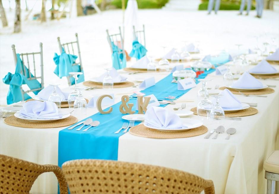 ブルーウォーター・マリバゴ セブ ウェディングパーティー テーブル装飾例