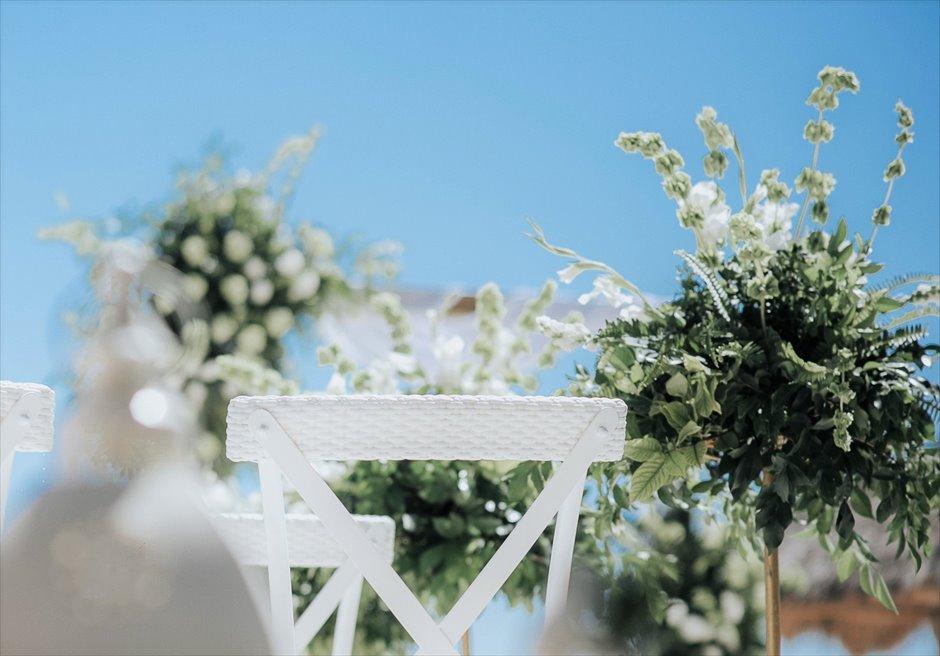 ブルーウォーター・マリバゴ セブウェディング 生花アイルサイド装飾