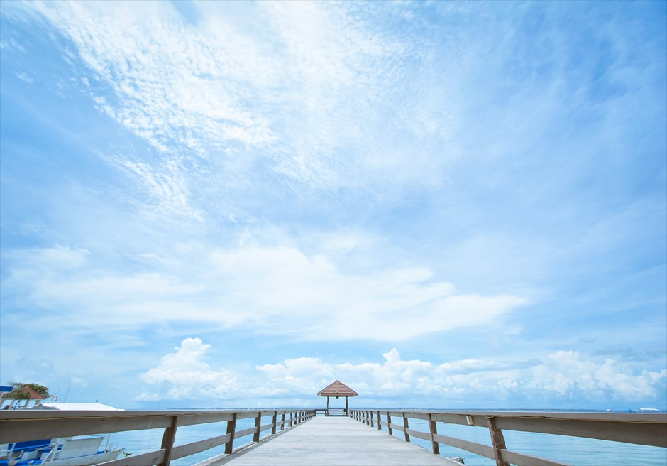 シャトー・バイ・ザ・シー マクタン セブ挙式会場 桟橋