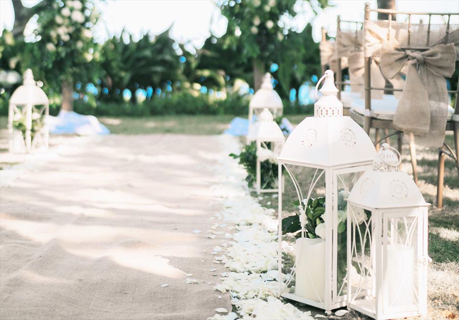クリムゾン・マクタン・セブ オーシャンフロント・ガーデンウェディング ヴィラガーデン挙式 アイルサイド ランタン装飾