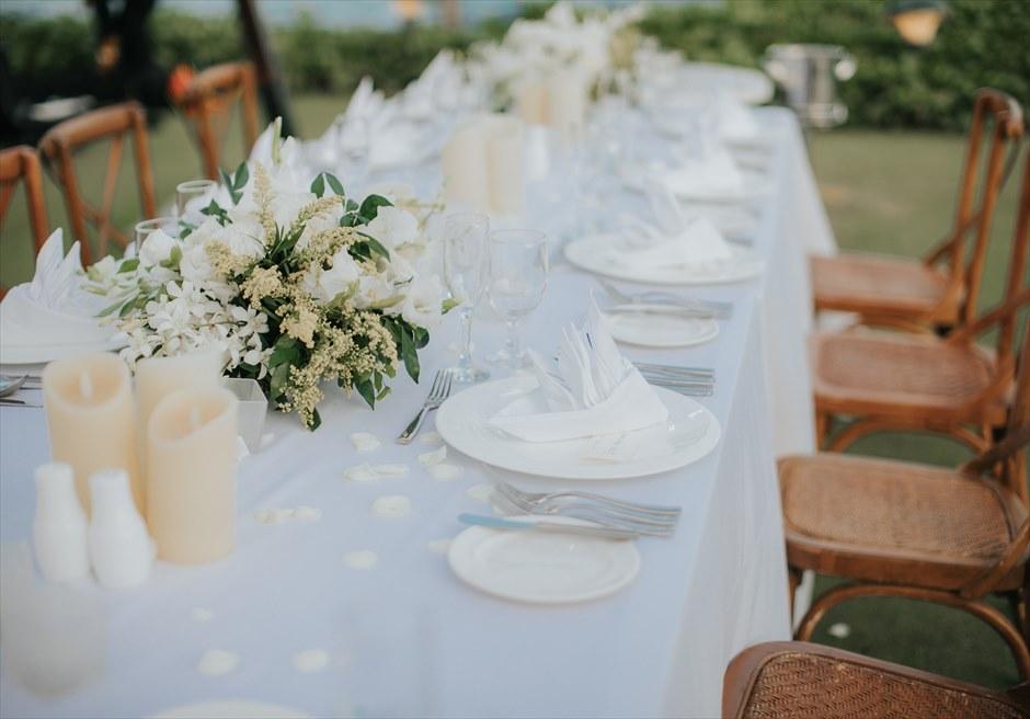 クリムゾン・マクタン リゾート&スパ ウェディングパーティー会場 ガーデンパーティー テーブル装飾例