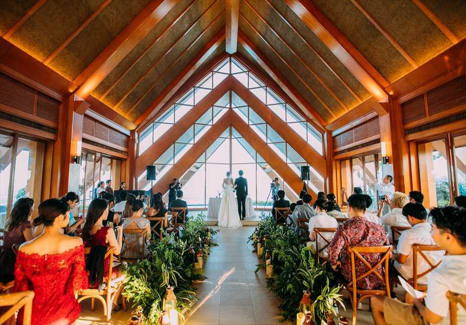 セブ島ウェディング シャングリラ・マクタン・チャペル挙式 挙式会場 会場装飾