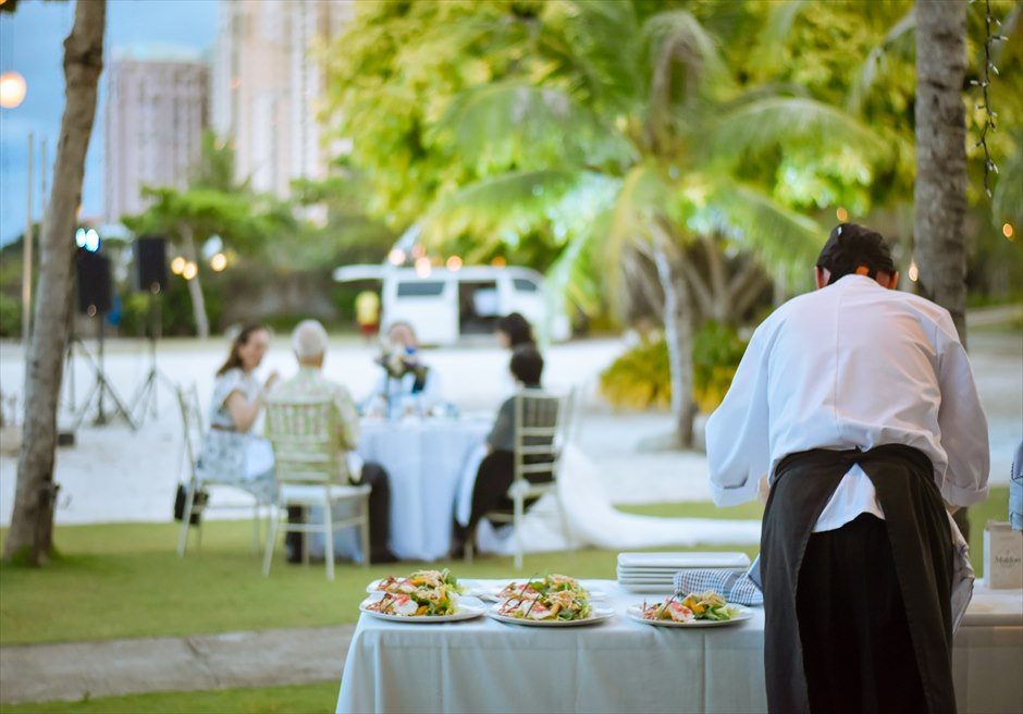 シャトー・バイ・ザ・シー 挙式パーティー会場 セブ・ガーデンパーティー セブ島ウェディングパーティー 野外セブパーティー パーティー料理