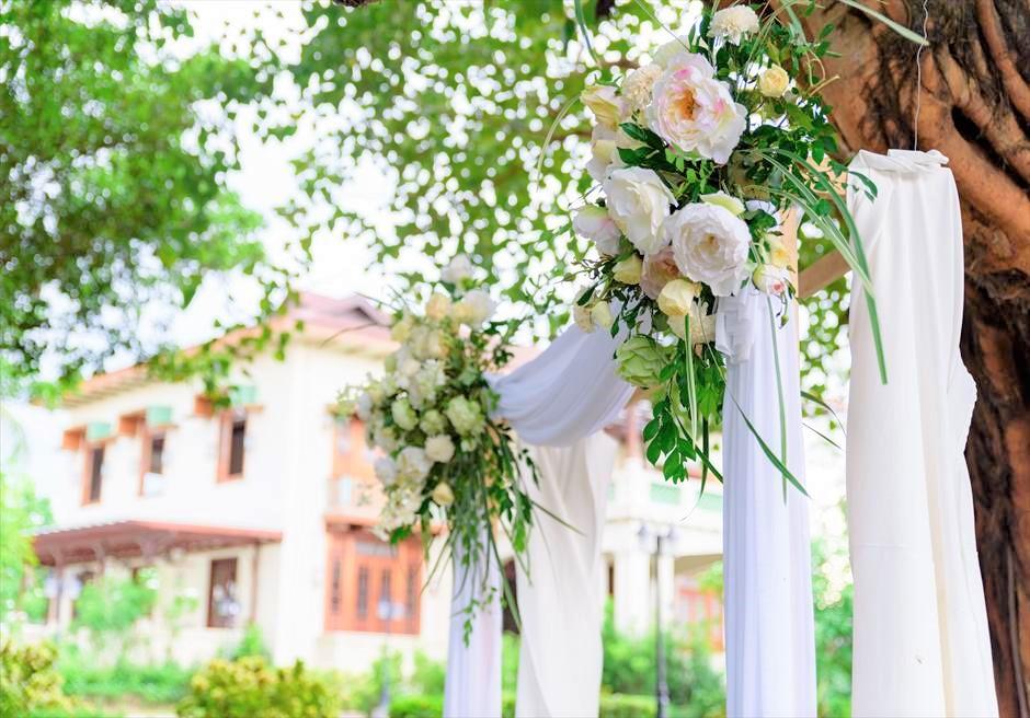 シルカ1900 CIRCA Circa1900 セブ・シティ ツリーウェディング ガーデン挙式会場 セブ・ウェディング 生花アーチ装飾