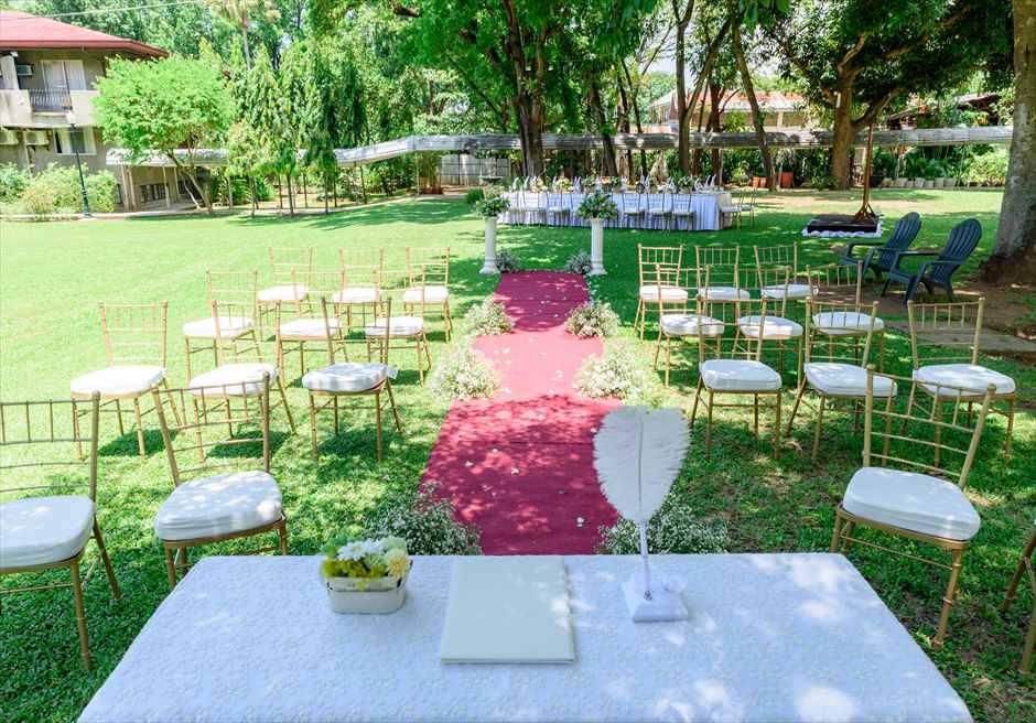 モンテベッロ・ヴィラ・セブ・シティ ガーデンウェディング 挙式会場 リングピロー 羽ペン 結婚証明書
