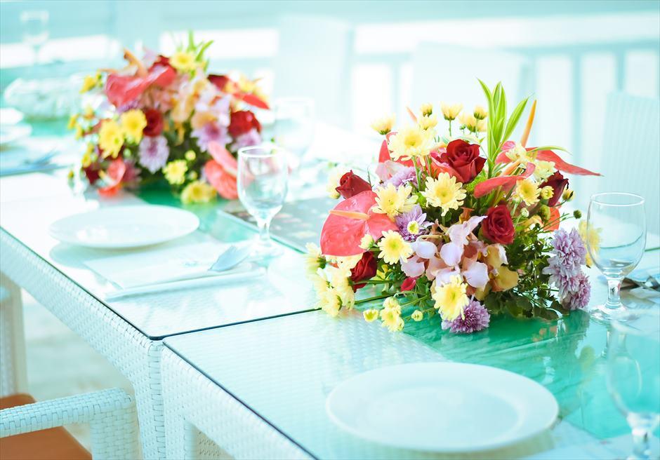 パシフィック・セブ・リゾート PCR 挙式パーティー会場 生花フラワー テーブル装飾