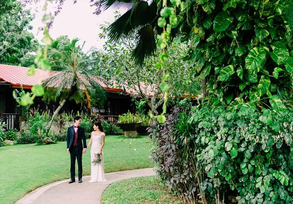 セブ・ホワイトサンズ・リゾート&スパヒストリック・ガーデン・ウェディングリゾート・ガーデンより入場