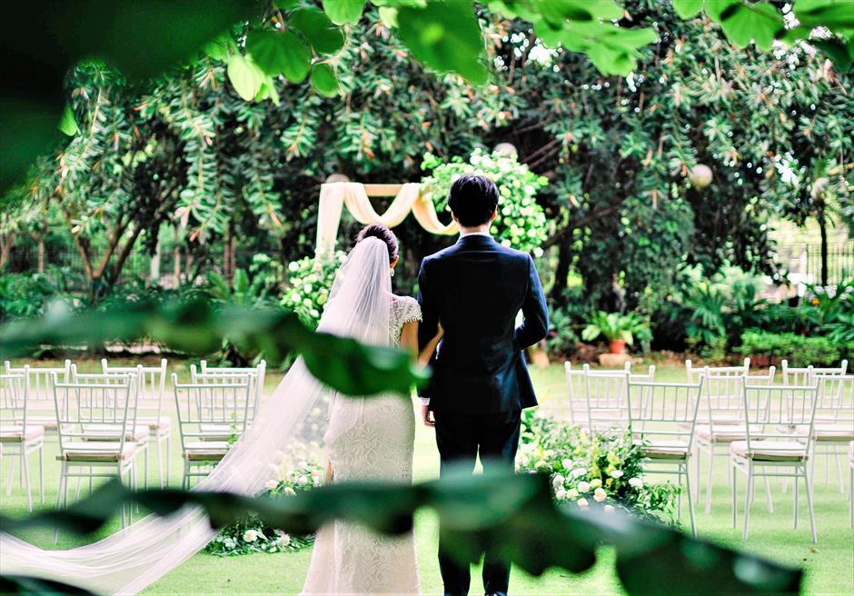セブ・ホワイトサンズ・リゾート&スパヒストリック・ガーデン・ウェディング挙式会場入場シーン