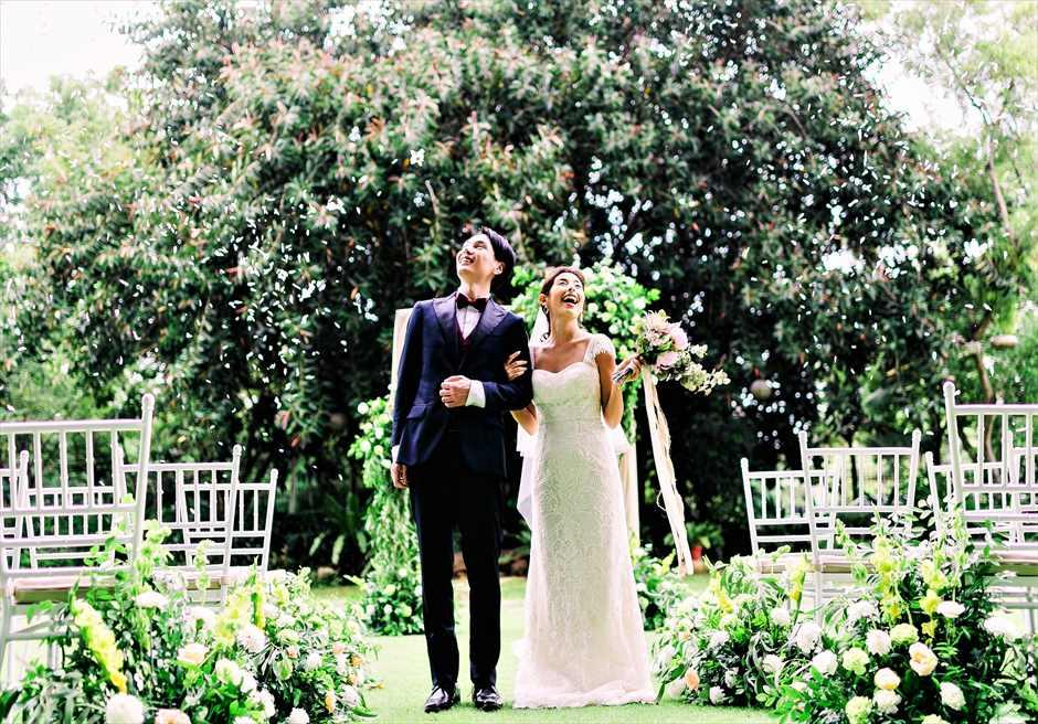セブ・ホワイトサンズ・リゾート&スパヒストリック・ガーデン・ウェディング生花のフラワーシャワー