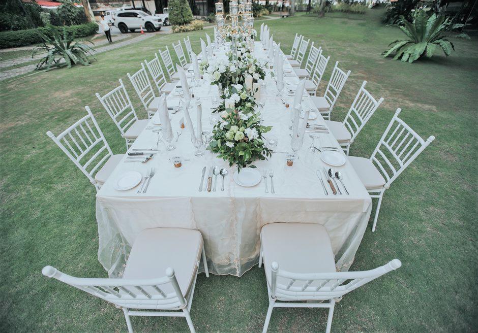 セブ・ホワイトサンズ・リゾート&スパヒストリック・ガーデン・パーティーテーブルアップグレード装飾生花¥20,000