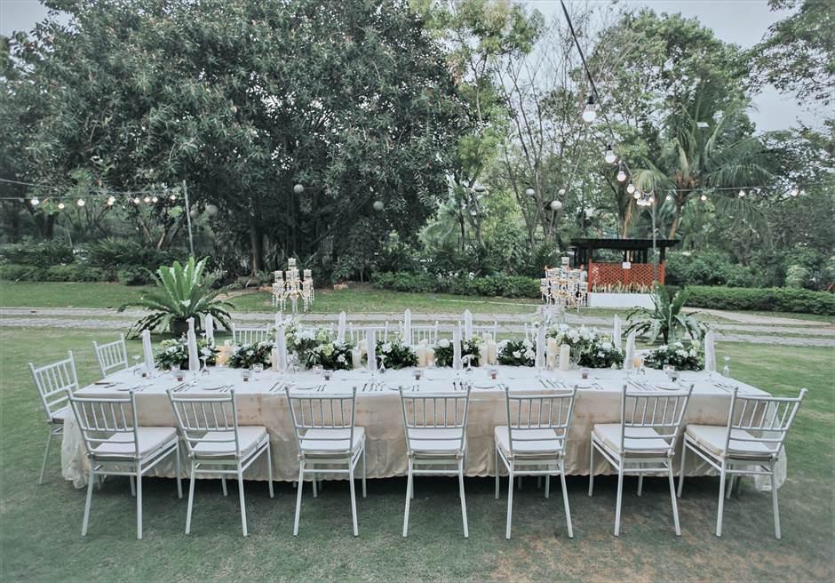 セブ・ホワイトサンズ・リゾート&スパヒストリック・ガーデン・パーティーレセプション会場アップグレード装飾¥20,000