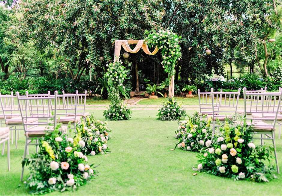 セブ・ホワイトサンズ・リゾート&スパヒストリック・ガーデン・ウェディング挙式会場装飾