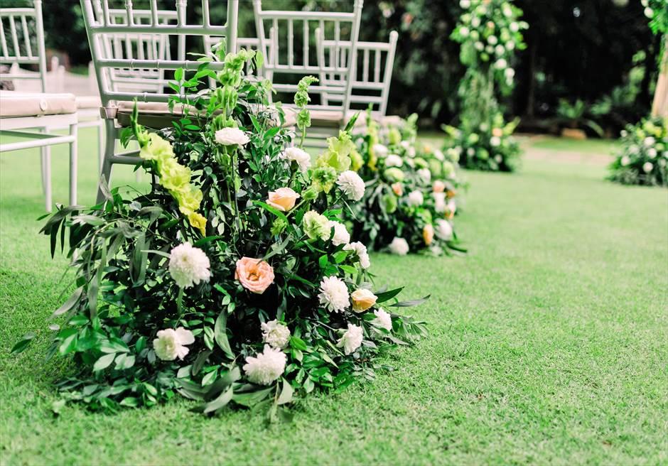 セブ・ホワイトサンズ・リゾート&スパヒストリック・ガーデン・ウェディングアイルサイド生花装飾