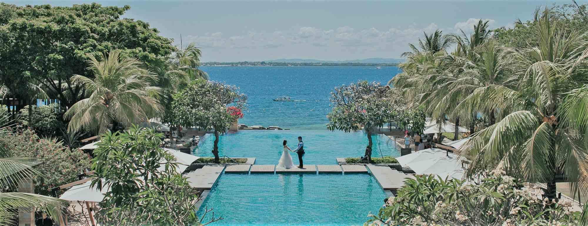 セブ島インフィニティ・プールウェディング・フォトCrimson Resort&Spa Mactan Garden Wedding~クリムゾン・リゾート&スパ・ガーデン挙式