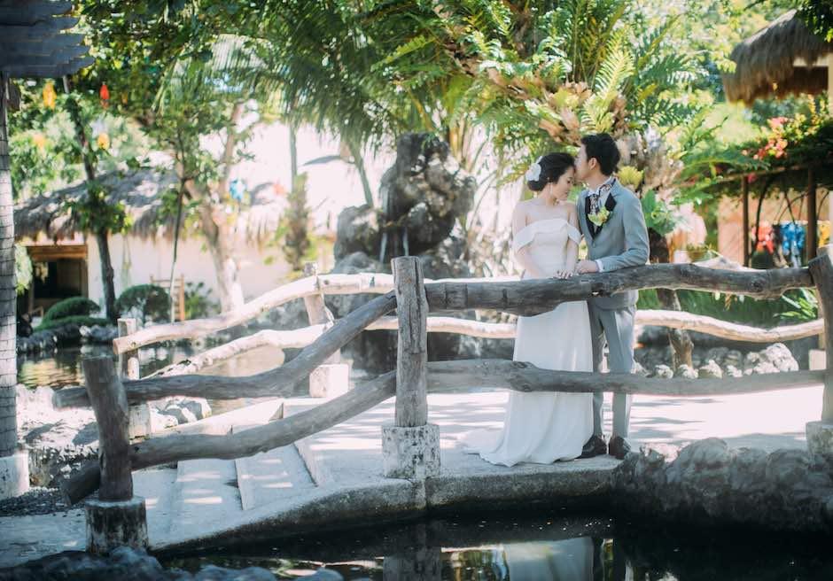ブルーウォーター・マリバゴ・ビーチリゾートアーチにてフォトウェディング
