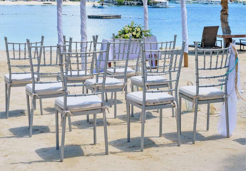 ブルーウォーター・マリバゴ・リゾートビーチウェディングホワイト・ナチュラルティファニー・チェア