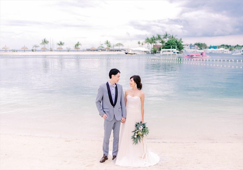 ブルーウォーター・マリバゴビーチ挙式ボタニカル&トロピカル・ウェディングビーチ挙式後撮影
