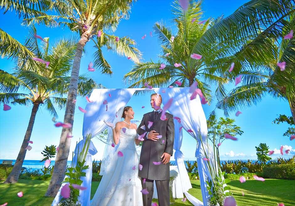 クリムゾン・リゾート&スパ・マクタンヴィラ・ガーデンクラシック・ウェディングブルー基本装飾フラワーシャワー
