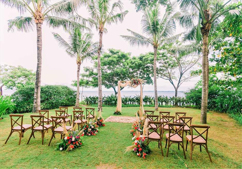 クリムゾン・リゾート&スパ・マクタンヴィラ・ガーデンボーホー・ウェディング基本装飾挙式会場全景