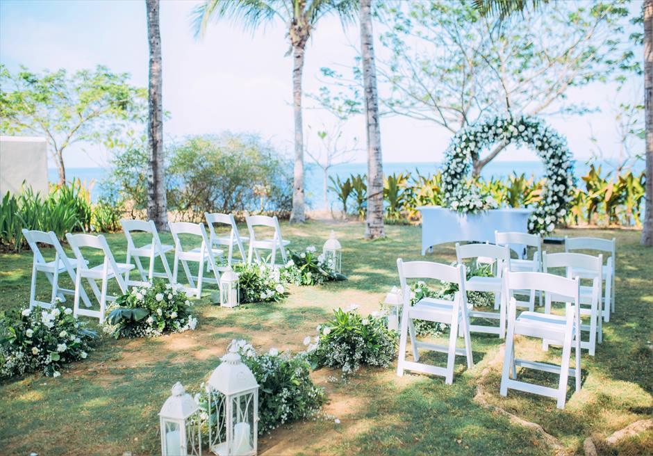 クリムゾン・リゾート&スパ・マクタンヴィラ・ガーデンデューイ・ウェディング装飾:サークル挙式会場全景