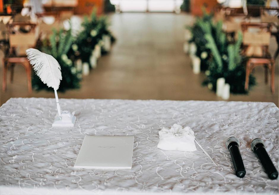 シャングリラ・マクタン・リゾートオーシャン・パビリオンラスティック・ウェディング結婚証明書・羽ペン・リングピロー