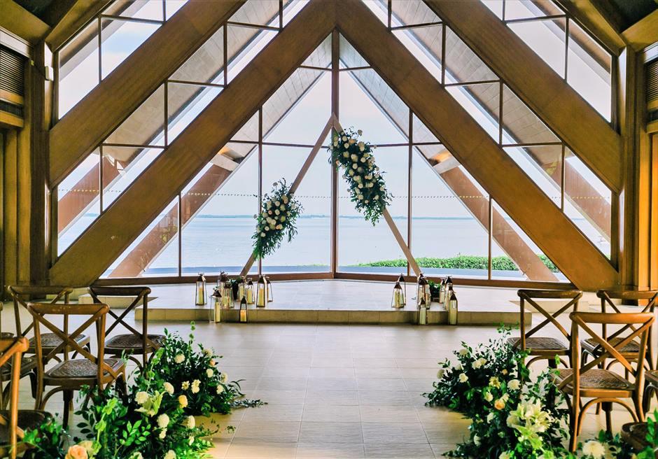 ラスティック・ウェディングアップグレード装飾ウェディングアーチ(トライアングル)アーチの生花装飾
