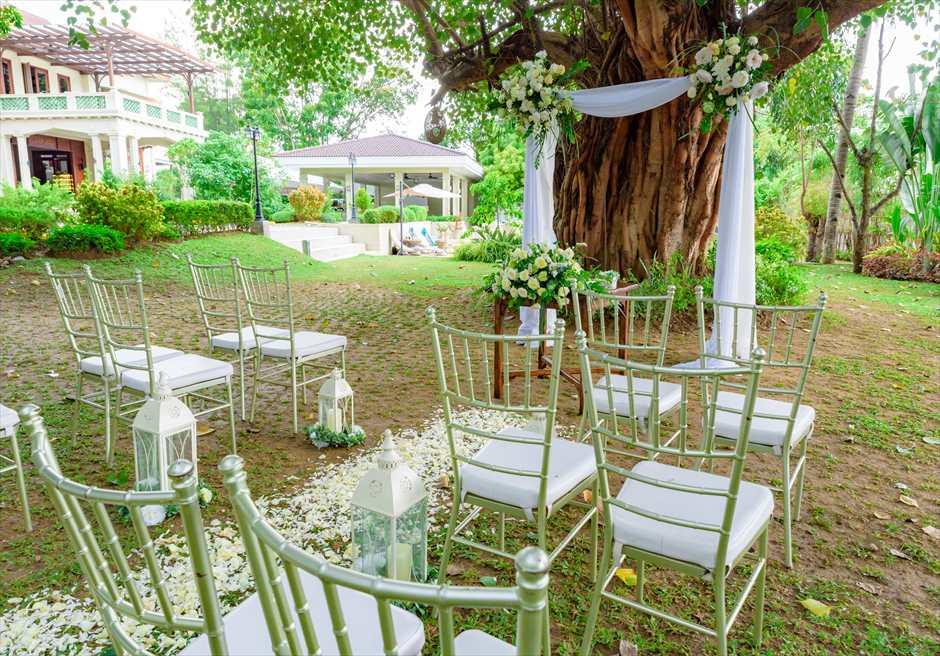 シルカ1900ナチュラル・ウェディングツリー・ガーデン挙式会場シルカの建物を望む