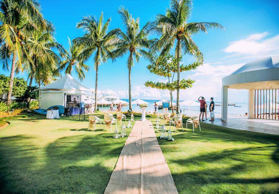 モーベンピック・マクタン・アイランドビーチフロント・ガーデンナチュラル・ウェディングラスティック挙式会場全景