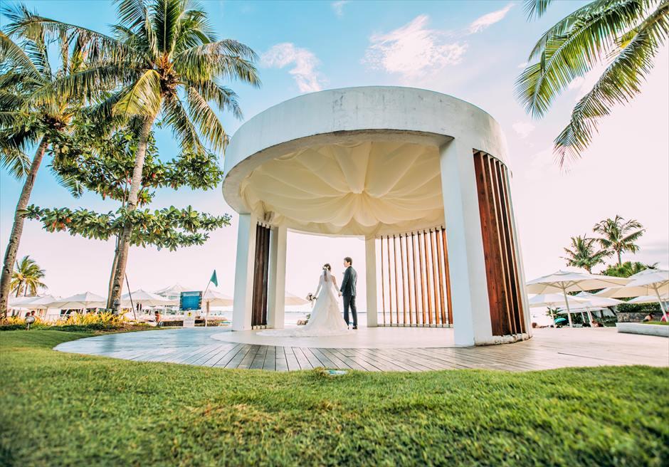 モーベンピック・マクタン・アイランドビーチフロント・ガーデンナチュラル・ウェディング挙式に隣接するガゼボにて挙式前撮影