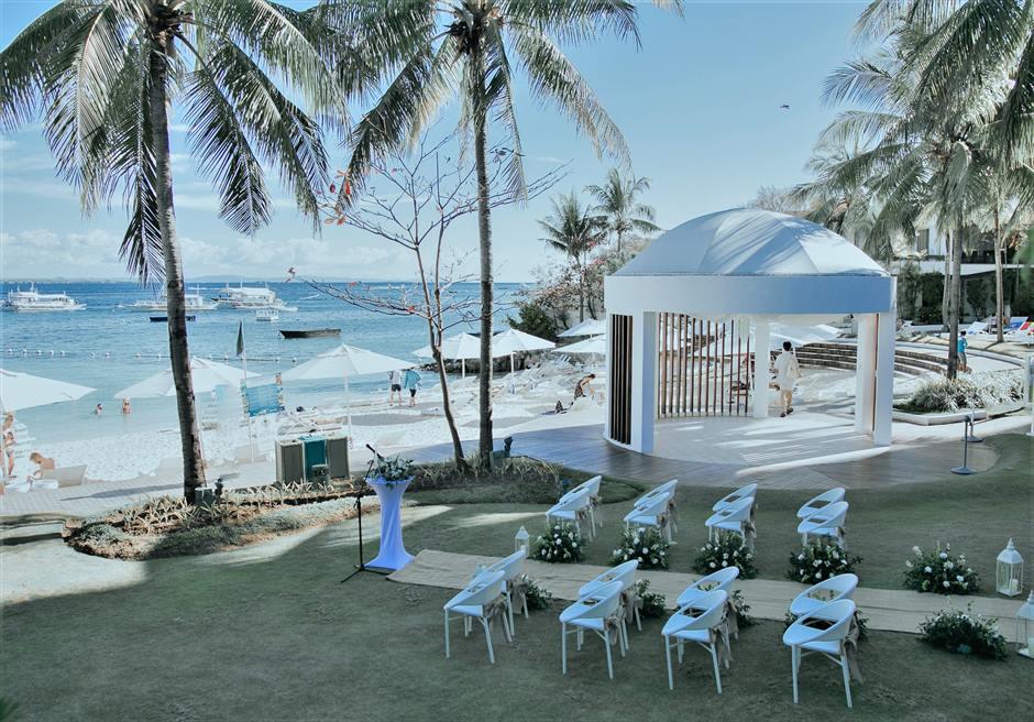 モーベンピック・マクタン・アイランドビーチフロント・ガーデンインティメイト・ウェディング挙式会場全景