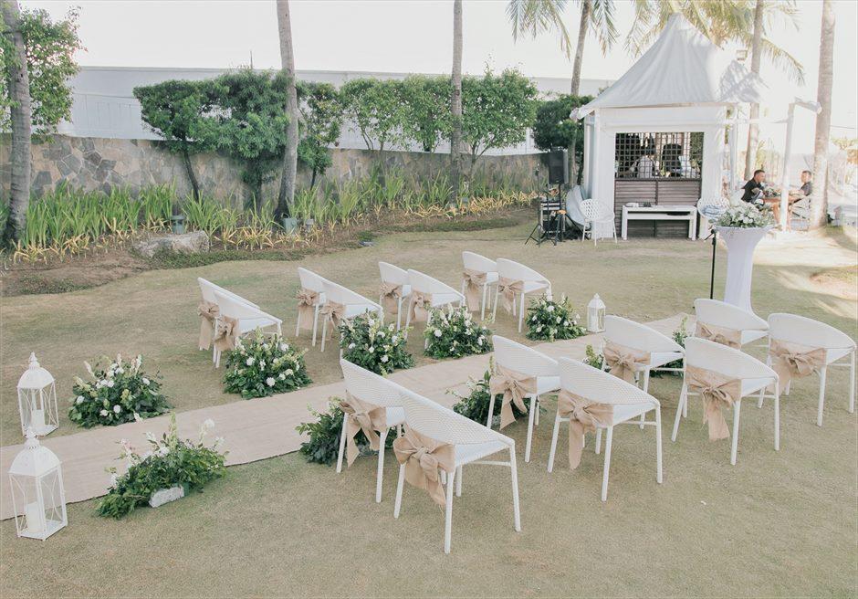 モーベンピック・マクタン・アイランドビーチフロント・ガーデンインティメイト・ウェディング挙式会場装飾8つの生花バスケットフラワー
