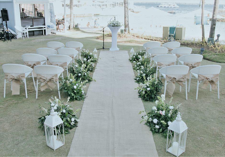 モーベンピック・マクタン・アイランドビーチフロント・ガーデンインティメイト・ウェディング生花の挙式会場装飾