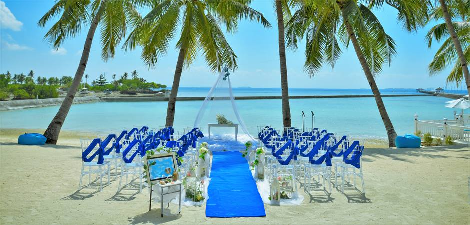 Blue Sky Wedding at Coconuts Beach