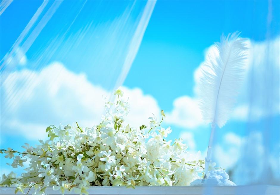 ブルー・スカイ・ウェディングティファニー&ロイヤル・ブルー祭壇装飾