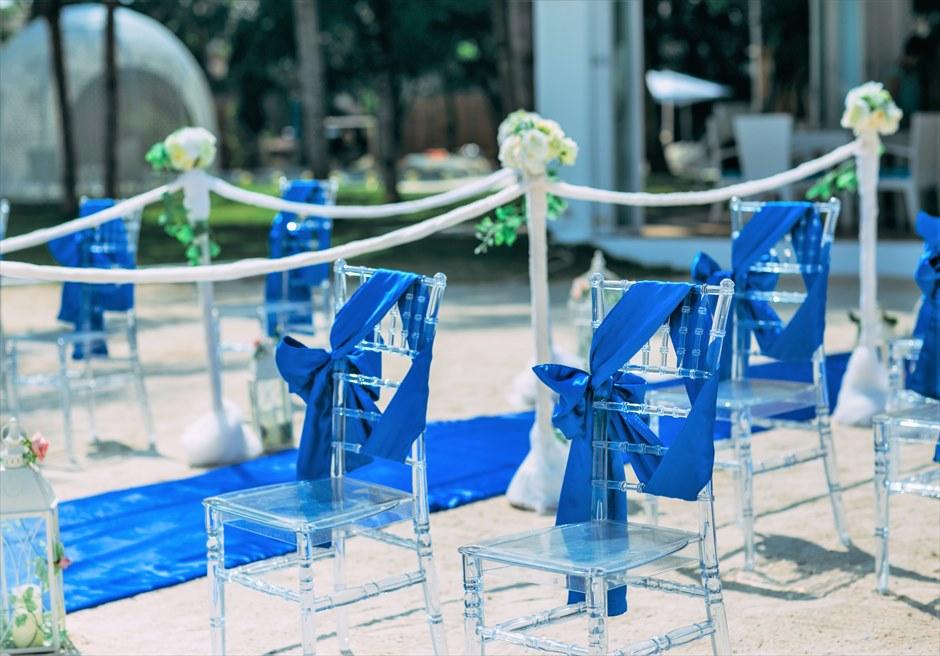 ブルー・スカイ・ウェディングロイヤル・ブルー挙式会場ティファニーチェアサッシュ装飾
