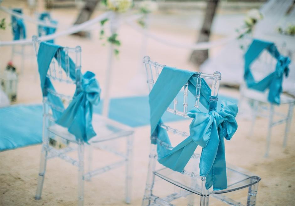 ブルー・スカイ・ウェディングティファニー・ブルー挙式会場ティファニーチェアサッシュ装飾