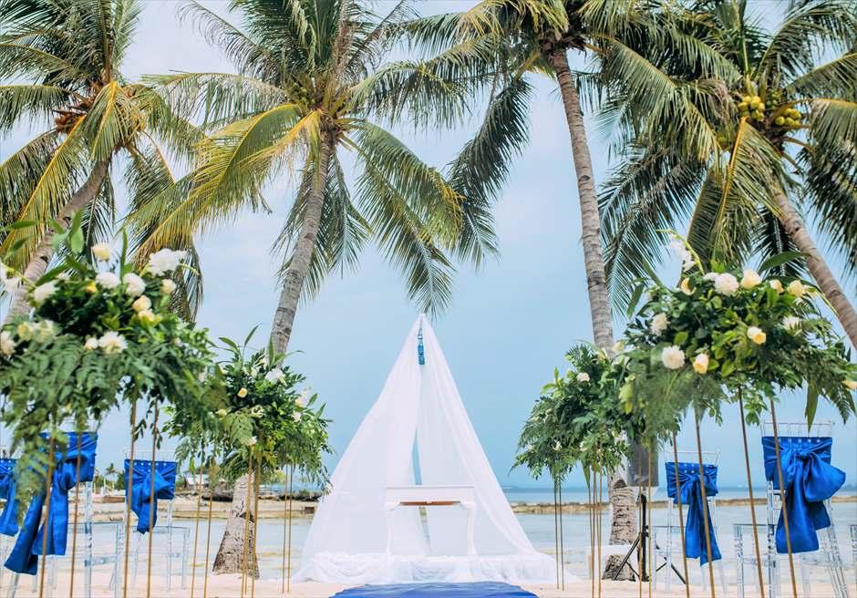 パシフィック・セブ・リゾートブルー・スカイ・ウェディングアップグレード生花装飾